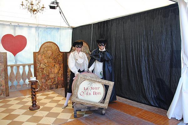 décor stand fête du millésime 2011 domaine de la tour du bon