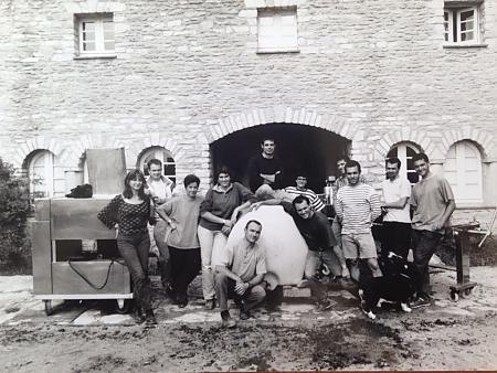 photo de l'équipe de vendangeurs en 1996