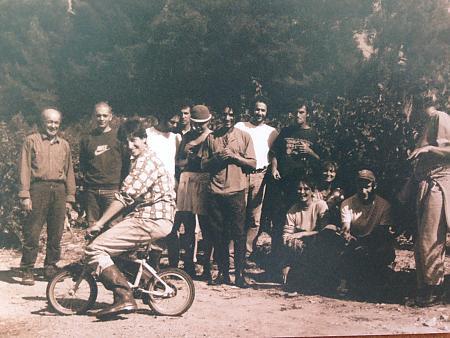 photo de l'équipe de vendangeurs en 1998