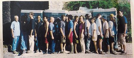 photo de l'équipe de vendangeurs en 2003