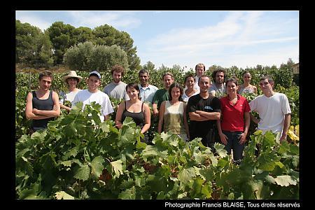 photo de l'équipe de vendangeurs en 2006