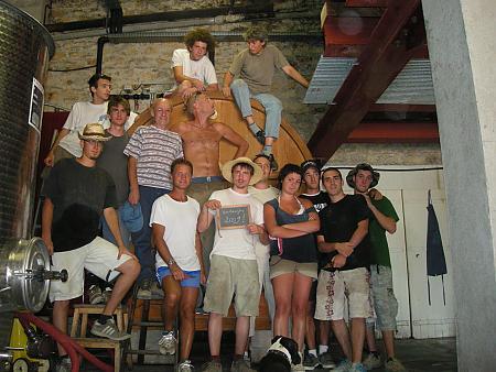 photo de l'équipe de vendangeurs en 2009